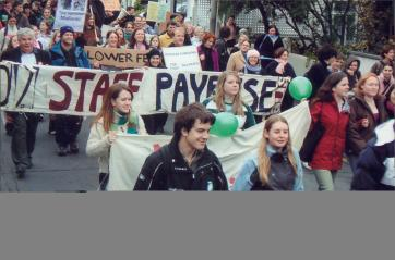 Victoria University staff and students' march to parliament demanding investment in tertiary education, May 2005